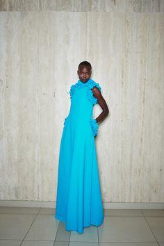 Classy Work Outfits, Classy Casual, Fashion Line, Blue Fashion, Vogue Paris, Greta, Spring Fashion Trends, Fashion Show Collection, Models