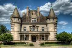 Hecker-Smiley Mansion - 5510 Woodward Ave. Detroit, Michigan | Flickr - Photo Sharing!