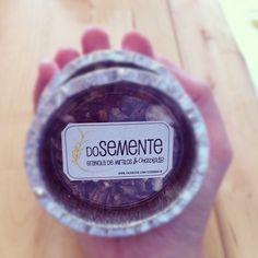 Estamos a oferecer amostras de granola de mirtilos & chocolate, na compra de granola de mirtilos.