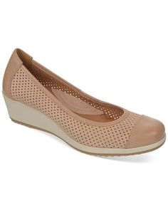 ded627dc9c5b Naturalizer Banner Flats Clearance Shoes