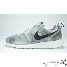 new styles 4ce95 d5338 Nike Roshe Run Womens Mens Shoes Gray Ripple White Nike Clearance Store,  Clearance Shoes,