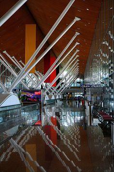 Phonetica - the world's best PA system for airports Kuala Lumpur, Putrajaya, Airport Architecture, Kisho Kurokawa, Philippines, Airport Design, Exhibition Building, Airport Lounge, Roof Design