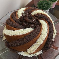 Buy and send cakes to Moradabad and surprise of your loved one with same-day delivery. We are one of the leading online cake delivery shop in Moradabad. Homemade Desserts, Delicious Desserts, Yummy Food, 3 Ingredient Desserts, Cake Recipes, Dessert Recipes, Dessert Ideas, Online Cake Delivery, Savoury Cake