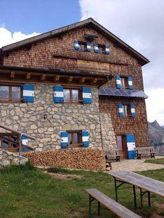 Rifugio Roda di Vael Dolomiti Italia