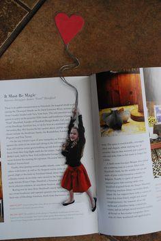 Noel, Fete, Cadeau.... une petite idée de l'Atelier 27 The Shabby Nest: A Last Minute DIY Christmas Gift Idea: Fly Away Bookmarks~