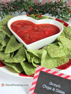 Grinch chips and salsa, Christmas movie marathon, Christmas movie night party ideas, Rudolph treats, Grinch Party, Le Grinch, Grinch Christmas Party, Christmas Movie Night, Christmas Birthday Party, Movie Night Party, Christmas Snacks, Christmas Goodies, Christmas Cooking