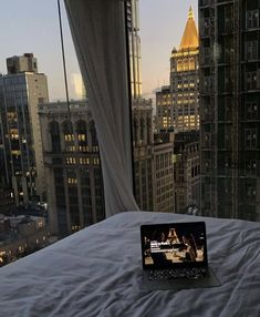 Apartment View, Dream Apartment, York Apartment, New York Life, Nyc Life, City Aesthetic, Aesthetic Rooms, 1970s Aesthetic, Angel Aesthetic