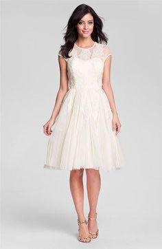 Elegant short dress found on Beso