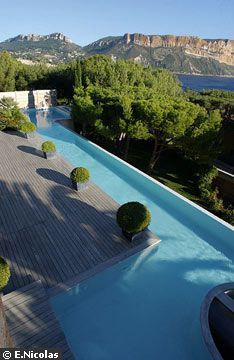 width of 2m40 for a lap pool.