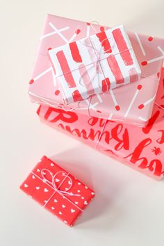 Valentine's Day Printable Gift Wrap // Print on any printer with any paper, choose from 4 free designs!