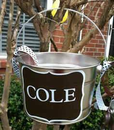 Personalized Easter Basket For Boy (could use the chalk board paint i already have)