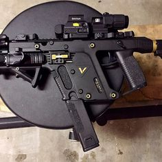 @nosekial Kriss Vector - Tag someone who would want one! @krissarms