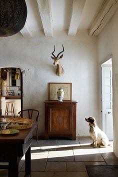 How to make your Home Interior Decorating successful? Country Interior, Antique Interior, French Interior, French Decor, French Country Decorating, Home Interior, Interior And Exterior, Interior Decorating, Exterior Design