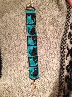 Turquoise and black cat bracelet. Tap the link for an awesome selec. - Turquoise and black cat bracelet. Tap the link for an awesome selection cat and kitten - Loom Bracelet Patterns, Seed Bead Patterns, Bead Loom Bracelets, Jewelry Patterns, Beading Patterns, Beading Ideas, Beading Supplies, Bead Loom Designs, Motifs Perler