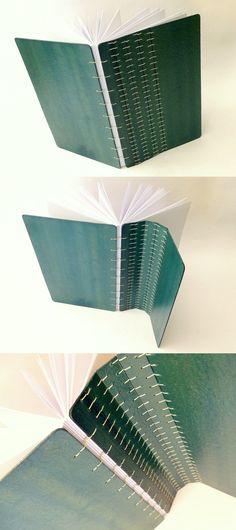 Coptic stitch travel journal with folding cover by Canteiro de Alfaces - #bookbinding encadernação copta, capa dura dobravel.