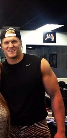 Clay Matthews. Those pants!!