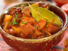 Découvrez la recette Colombo de thon rouge aux courgettes et à la tomate sur cuisineactuelle.fr.