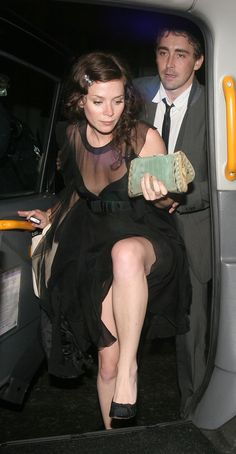 【HQ】2007.05.17 - Lee Pace and Anna Friel leaving Boujis nightclub. (转载请注明出处 Please link back when you repost them elsewhere )