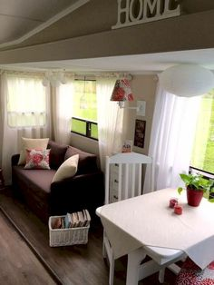 Gorgeous 85 Travel Trailers Interior Ideas for Full Time RV Living https://decorapatio.com/2017/09/22/85-travel-trailers-interior-ideas-full-time-rv-living/