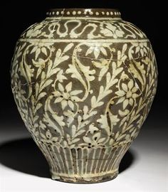 A SAFAVID POTTERY BALUSTER VASE  IRAN, 17TH CENTURY
