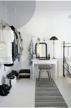 love the cloths hanger