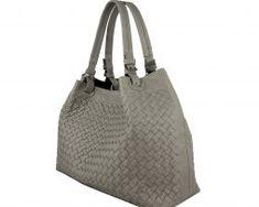 Ručne pletená kabelka z hovädzej usne v talianskom štýle v béžovej farbe (3) Bucket Bag, Bags, Fashion, Handbags, Moda, Fashion Styles, Fashion Illustrations, Bag, Totes