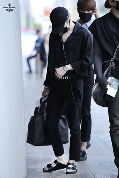 [AIRPORT] 160827: BTS Suga (Min Yoongi) #bts #bangtan #bangtanboys #fashion #style #kfashion #kstyle #korean #kpop