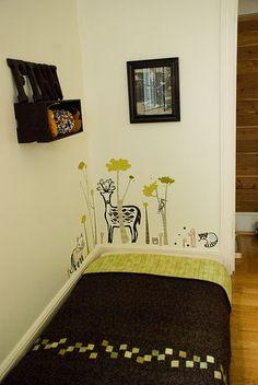 finn's room :: montessori floor bed
