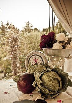 Flores, frutas y hortalizas para decorar la boda ¡LOVE IT! · Valentinas Weddings and Parties