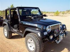 When discussing Wrangler and CJ Jeeps the question often arises regarding the qualities of having a removable hard top or a fold down (also removable)