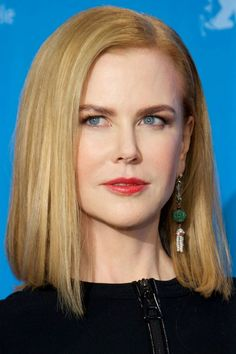 Breaking: Nicole Kidman Just Lost a Whole Lot of Hair. See Her New Look! I think this is a really good look on her, Classy and Sophisticated.