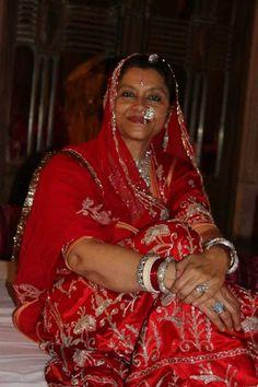 Maharani Saheb of Jodhpur, Hemlata Rajye Rajasthani Dress, Rajputi Jewellery, Royal Indian, Rajputi Dress, Royal Beauty, Indian Princess, India And Pakistan, Jodhpur, Traditional Outfits