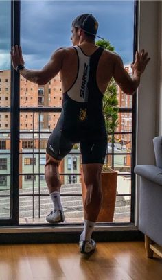 Cycling Gear, Cycling Outfit, Cycling Clothes, Lycra Men, Lycra Spandex, Mens Leather Pants, Muscular Legs, Sport Bikes, Muscle Men