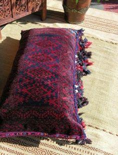 Elegant Bohemian Decor: Bohemian Homes: Moroccan kilim cushion Bohemian House, Bohemian Interior, Home Interior, Bohemian Decor, Bohemian Style, Moroccan Design, Moroccan Decor, Moroccan Style, Floor Cushions