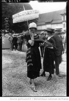 Modes à St Cloud, 1919 : [photographie de presse] / Agence Meurisse