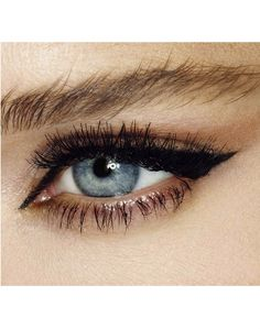 Feline Flick felt tip eyeliner by British makeup artist Charlotte Tilbury - now available in the States.