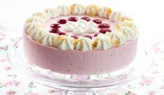 Maková torta s jahodovým krémom