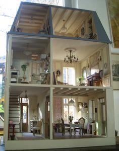 """♥ Pipi Turner Miniatures ♥: Das Haus """"im Ganzen"""" und das fertige Efeu :)"""
