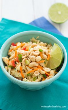 Asian Chicken and Rice Salad. Chicken and Rice Salad with Ginger-Sesame Dressing. So healthy and flavorful. Lunch Recipes, Real Food Recipes, Cooking Recipes, Healthy Recipes, Dinner Recipes, Real Foods, Yummy Food, Fodmap Recipes, Detox Recipes