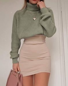 Casual Women Spring Outfits to Copy for 2020 – Galentine's weekend outfit inspo – tag someone who'd wear! 💗 By: Fashion Influx Spring is in the air! Today I bring to your attention inspiring casual outfit ideas for women. Teenage Outfits, Winter Fashion Outfits, Cute Fashion, Look Fashion, Outfits For Teens, Latest Fashion, 2000s Fashion, Grunge Fashion, Fashion Fashion