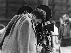 Charlie Chaplin sur le tournage des Temps modernes, en 1936. (Roy Export SAS/Musée de l'Elysée)