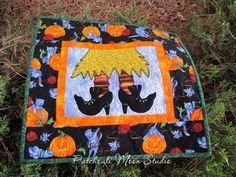 Patchouli Moon Studio~Spooky Shoes Placemats