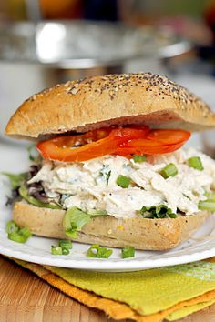 Lighter Ranch Chicken Salad Sandwich : Fabtastic Eats (perfect for Leah) Healthy Pastas, Healthy Eating Recipes, Cooking Recipes, Sandwiches For Lunch, Wrap Sandwiches, Chicken Sandwich Filling, Salad Sandwich, Chicken Salad, Ranch Chicken