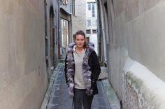 Parka femme avec capuche et grosse fourrure www.modeandshop.fr