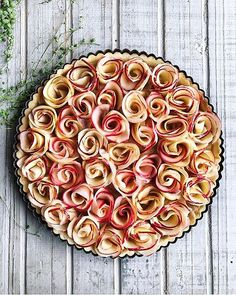 Apple Rose Tart on @the_feedfeed https://thefeedfeed.com/madamejuju/apple-rose-tart