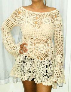 Bata confeccionada em crochet, linha Pingouin 1000, 2 fios da círculo! Bege, veste M. Para mais informações sobre cor e tamanho, favor entrar em contato com o vendedor! Crochet sempre te deixará na moda!