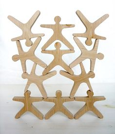 Переход по  https://www.flickr.com/photos/dainora/   balancing toy - These are cool - maybe sheldon could cut these - CJ