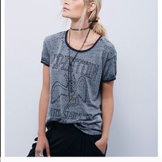 e14bf0f1ff5 Free People Led Zeppelin top A classic top Free People Tops Tees - Short  Sleeve Led