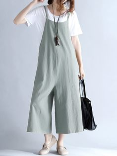 Amazing O-NEWE Casual Women Loose Dot Spaghetti Strap Jumpsuits on Newchic, there is always a plus size jumpsuits and rompers that suits you! Plus Size Romper, Plus Size Jumpsuit, Casual Jumpsuit, Black Jumpsuit, Halter Jumpsuit, Plus Size Vintage, Style Casual, Jumpsuits For Women, Fashion Jumpsuits