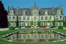 Chateau de Curzay - lodging, Michelin starred restaurant, staff highly rated, some bathrooms small by American standards